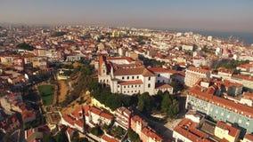 Panoramautsikt Graca och slott av den SaoJorge Lisbon antennen arkivfilmer