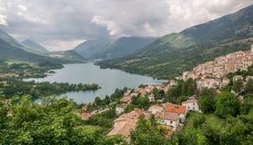 Panoramautsikt i Barrea, landskap av L ` Aquila, Abruzzo Italien Royaltyfri Foto