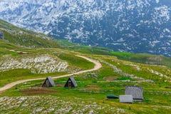 Panoramautsikt i Durmitor, Montenegro krasnodar bergregionväg russia arkivbilder