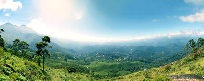 Panoramautsikt i Munnar i västra Ghats, Kerala arkivfoto