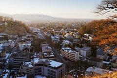 Panoramautsikt med landskap på den gamla stadsSalzburg Monchsberg solnedgången arkivbilder