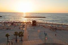 Panoramautsikt med sandstranden i Herzliya Pituah, Israel Arkivbild