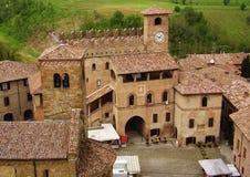 Panoramautsikt på Castell'arquato, Piacenza, Italien arkivfoto