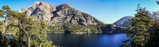 Panoramautsikt på Lago Nahuel Huapi, Bariloche, Patagonia, Argentina Arkivfoto