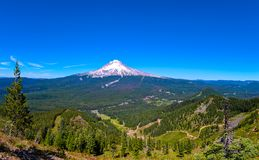 Panoramautsikt på Mt-huven, Oregon på en solig dag royaltyfri fotografi