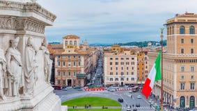 Panoramautsikt på piazza Venezia från altaret av fäderneslandet Arkivbild