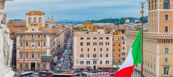 Panoramautsikt på piazza Venezia från altaret av fäderneslandet Arkivfoto