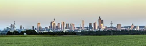Panoramautsikt till Frankfurt - f.m. - strömförsörjning Royaltyfri Foto