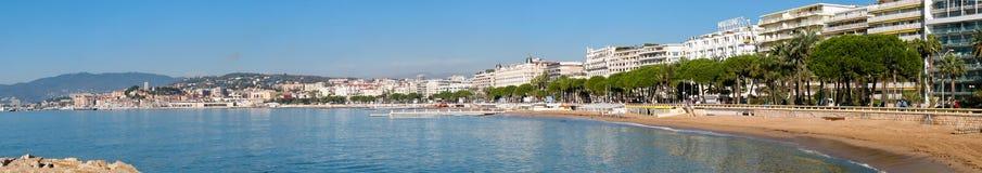 Panoramautsikt till invallningen och Boulevard de la Croisette Arkivfoto