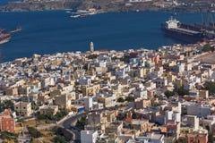 Panoramautsikt till staden av Ermopoli, Syros, Grekland royaltyfri bild