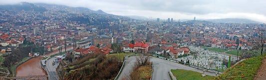 Panoramautsikt till staden av Sarajevo arkivbild