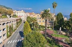 Panoramautsikten av centret, Grasse är de huvudvärldsdofterna Fotografering för Bildbyråer