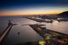 Panoramautsikten av den Adossat kryssninghamnplatsen och last port Royaltyfri Bild