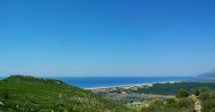 Panoramautsikten av den Patara stranden och antikviteten fördärvar från Lyen arkivfoto