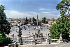 Panoramautsikten av den symboliska Piazza del Popolo kallade Royaltyfria Bilder