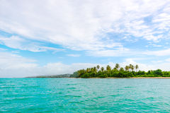 Panoramautsikten av inget Mans land i Tobago den västra Indies tropiska ön Fotografering för Bildbyråer
