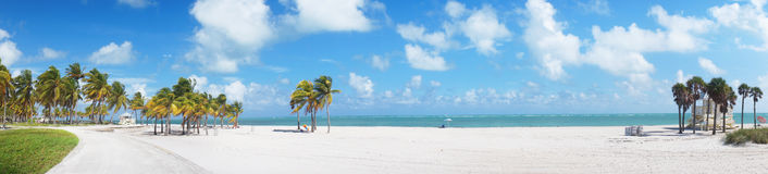 Panoramautsikten på Crandon parkerar stranden av Key Biscayne fotografering för bildbyråer