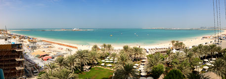 Panoramautsikten på JBR-stranden Arkivfoto