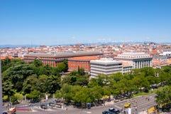 Panoramautsikter av Madrid från den utkikCibeles slotten, Spanien arkivbilder