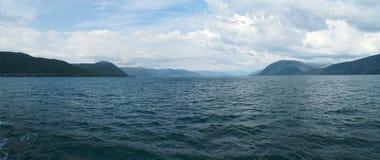 Panoramautsikter av Sognefjorden Royaltyfria Bilder