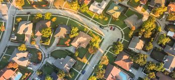 Free Panoramic Aerial View Residential Subdivision And Cul-de-sac Street Near Dallas, Texas Stock Photography - 134727722