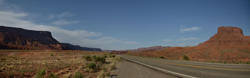 Panoramic desert road Royalty Free Stock Photos