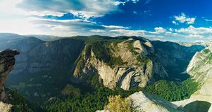 Free Panoramic Glacier Point View Of Yosemite Valley Royalty Free Stock Images - 169936549