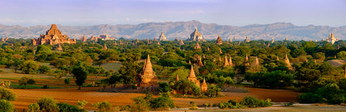 Panoramic landscape view of old temples in Bagan, Myanmar Stock Photo