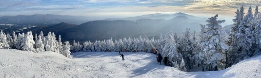 Free Panoramic Mountain View Of Beautiful Mountain Peaks At Snow Day On The Top Of Stowe Mountain Ski Resort Royalty Free Stock Photography - 206939687