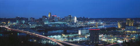 Panoramic night shot of Cincinnati skyline and lights, Ohio and Ohio River as seen from Covington, KY Royalty Free Stock Photography