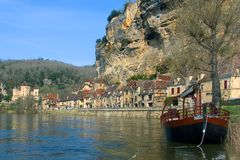Panoramic of The Roque-Gageac from the river. (France Royalty Free Stock Images