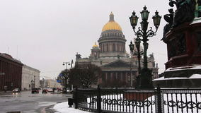 Panoramic of St. Isaac's Cathedral in snowfall stock video