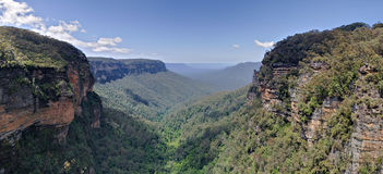 Panoramic view across the Jamison Valley, Blue Mou. Ntains Royalty Free Stock Photo
