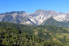 Panoramic view of Alpi Apuane mountain chain in Tuscany, Italy Stock Photo