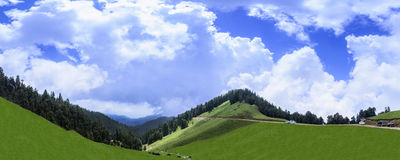 Panoramic view of beautiful landscape of Janjehli Valley near Sh Stock Photography