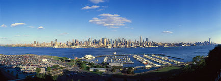 Panoramic view of Midtown Manhattan, NY skyline with Hudson River and harbor, shot from Weehawken, NJ Royalty Free Stock Photography