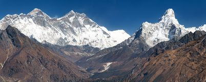 Panoramic view of Mount Everest from Kongde Stock Photo