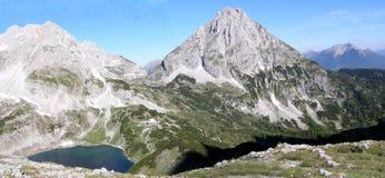 Panoramic view of a mountain lake Royalty Free Stock Photos