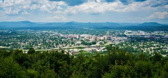 Free Panoramic View Of The Roanoke Valley Stock Photo - 121264100