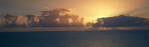 Panoramic view of sunrise on the Pacific Ocean, Hawaii Royalty Free Stock Photo