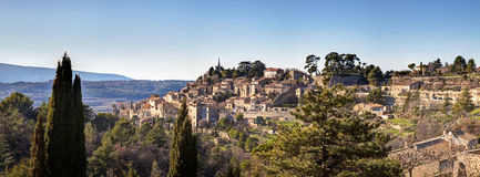 Panoramic view of the town of Bonnieux - Luberon - France Stock Photos
