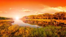 Panoramica ad alba di un allungamento dello stagno di Petrosu, Orosei sardinia fotografie stock libere da diritti