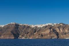 Panoramica av firaen, santorinisikt av havet med kryssningar Royaltyfri Fotografi