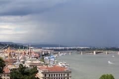 Panoramica a Budapest un giorno piovoso l'ungheria Fotografie Stock