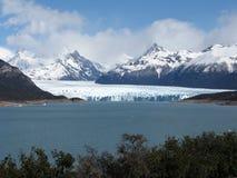 Panoramica de Perito Moreno Fotos de archivo libres de regalías