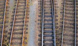 Panoramica dei binari ferroviari Fotografia Stock Libera da Diritti