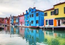 Panoramica del canale di Burano fotografie stock