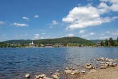Panoramica del lago Titisee Immagini Stock
