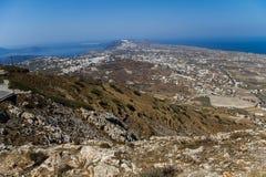 Panoramica del paesaggio di Santorini dall'più alto picco Fotografie Stock Libere da Diritti