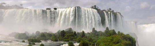 Panoramica della cascata Iguacu Immagini Stock Libere da Diritti